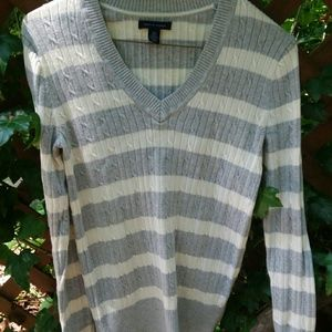 Tommy Hilfiger Cotton V-Neck Sweater  sz SP